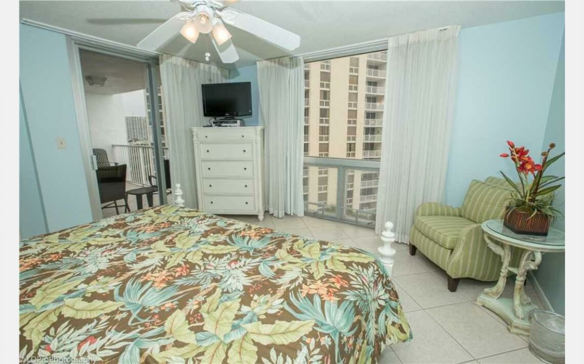 Photos of Shoreline Towers 2073 Apartment. Destin, FL 32541, United States of America